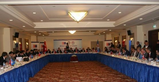 """""""AB Mali Yardımları Çalıştayı"""" Avrupa Birliği Bakan Yardımcısı Ali Şahin'in katılımıyla Trabzon'da yapıldı"""
