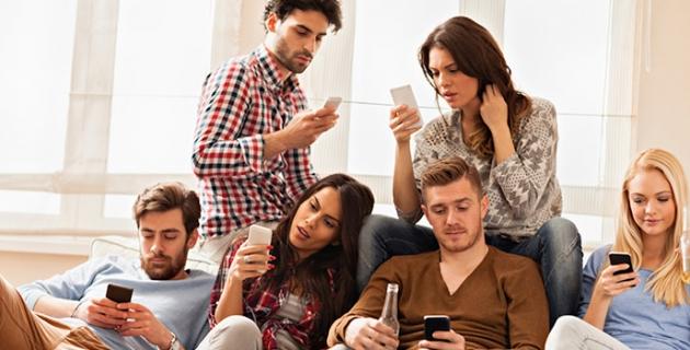 Akıllı Telefonlar Miyop Hastalığının Çoğalmasına Yol Açıyor