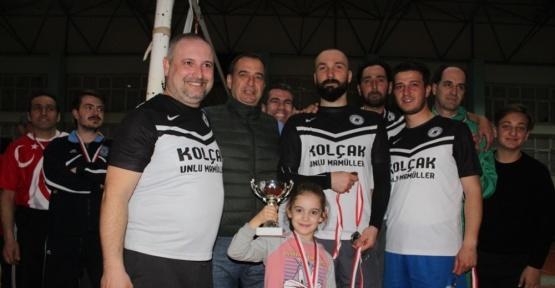 Ayvalık'ta Muhtarlar Derneği'nin voleybol turnuvası yapıldı
