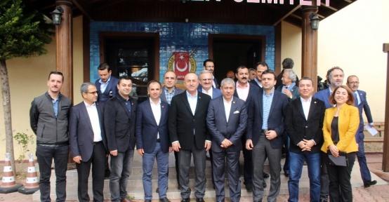 """Bakan Çavuşoğlu: """"Kimlikle seyahatin ardından bu yıl Ukrayna'dan 1.5 milyon turist bekliyoruz"""""""