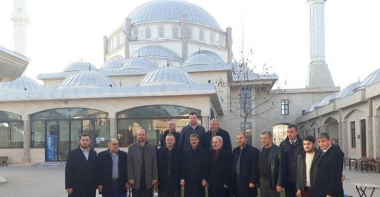 Başkan Alemdar cami cemaatine misafir oldu
