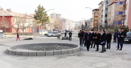 Başkan Gürkan, kaldırım çalışmalarını incelemede bulundu