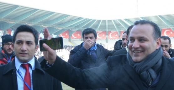 """B.B.Erzurumspor Kulübü Başkanı Demirhan: """"Dünya yıldızlarını Erzurumspor'a transfer edeceğim"""""""