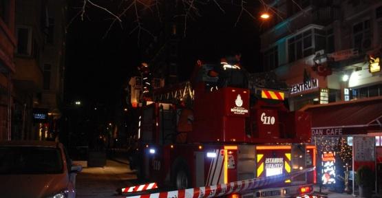 Beyoğlu'nda otel çalışanı çıktığı çatıdan apartman boşluğuna düşerek hayatını kaybetti