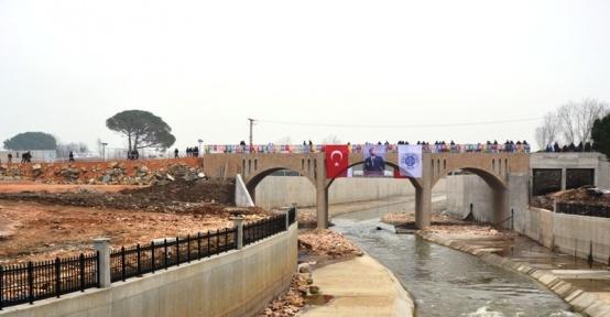 Biga'da Avcılar köprüsü araç ve yaya trafiğine açıldı
