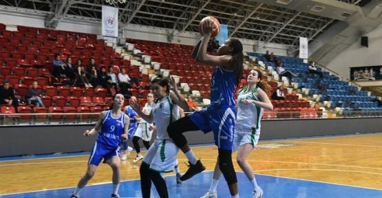 Bornova Becker Spor'dan bir galibiyet daha