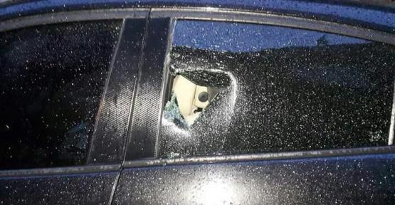 Bursa'da otomobillerin camlarını kıran hırsızlar değerli eşyaları çaldı