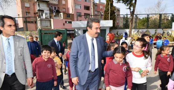 Çetin, Atatürk büstünün açılışını yaptı
