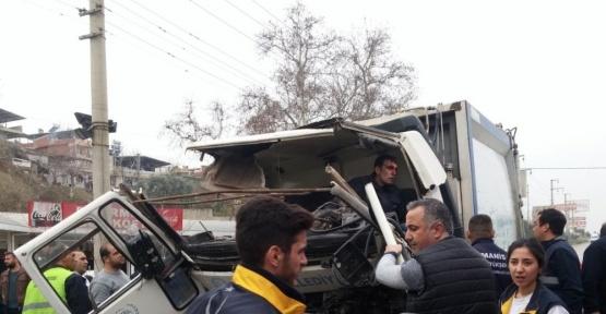 Çöp kamyonu sürücüsü hayata tutunamadı
