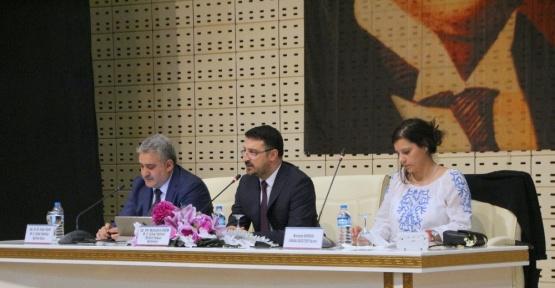 """""""Cumhurbaşkanlığı Hükumet Sistemi"""" konulu panel düzenlendi"""