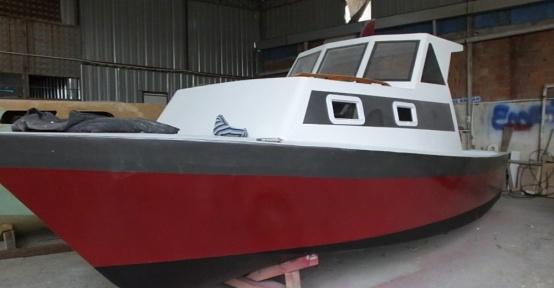 Deniz tutkusu yüzünden üniversiteyi bıraktı, 40 yıldır tekne onarıyor
