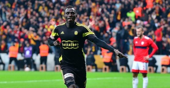 Diabang Dialiba atıyor, Evkur Yeni Malatyaspor şampiyonluğa koşuyor