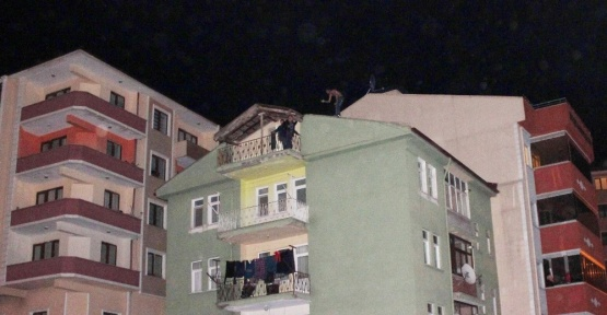 Dilencilikten işlem gördü çatıya çıktı