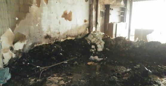 Elektrik kontağından çıkan yangın iş yerini kül etti