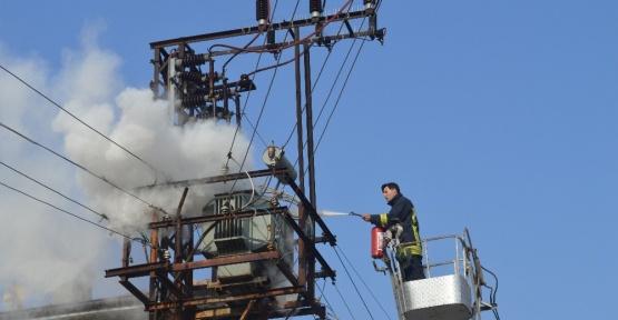 Elektrik trafosu yandı