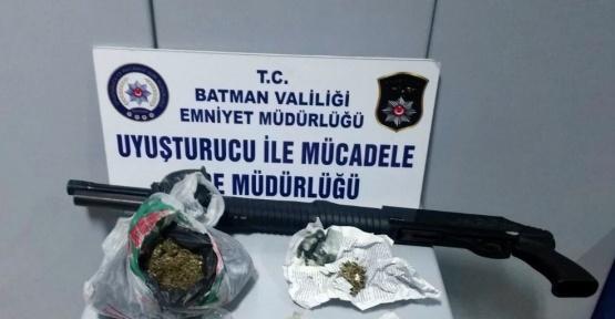 Evinde uyuşturucu bulunan bir kişi tutuklandı