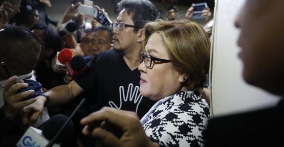 Filipinler'de Senatör Leila de Lima  tutuklandı