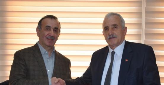 Giresun İl Genel Meclis Başkanı Mürşit Gürel'e muhtarlardan teşekkür plaketi