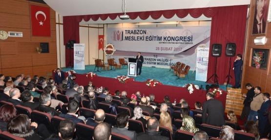 """Hacısalihoğlu : """"Türkiye'de iş arayanların yüzde 35'i niteliksiz eleman"""""""