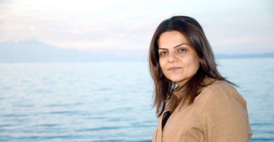 Hakkari İl Genel Meclisi üyesi Sibel Çapraz tahliye edildi