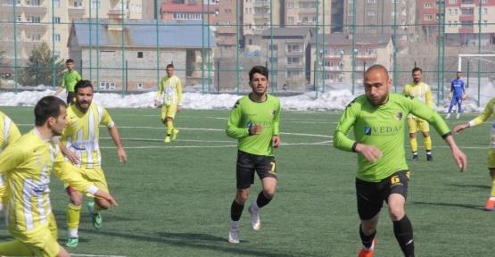 Hakkarispor, Muşspor'u 4-0 yendi
