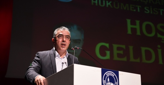 İstanbul da Mehmet Uçum Cumhurbaşkanlığı Sistemini Anlattı