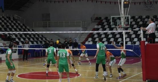 Malatya Büyükşehir Belediyespor voleybol takımı sahasında Eserspor'a yenildi