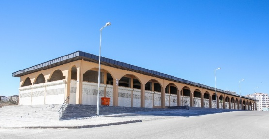 Merakla beklenen Ticaret merkezi tamamlandı