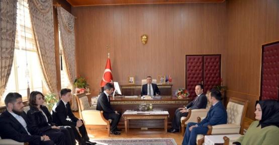 Okçuluk antrenörlerinden Vali Elban'a ziyaret