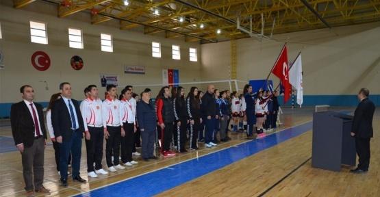 Okul Sporları Gençler Voleybol Müsabakaları başladı