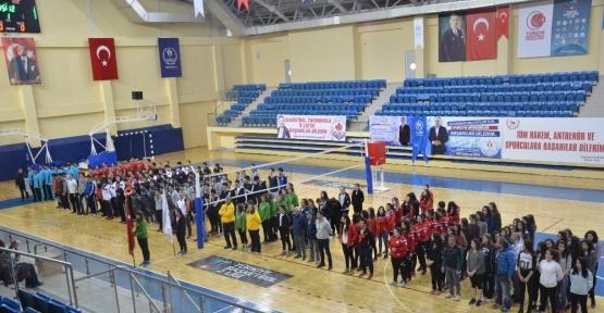 Okul Sporları Voleybol Gençler A Bölgesel Eleme Müsabakaları başladı