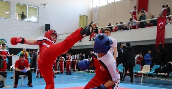"""""""Okullararası Yıldızlar Kick Boks Şampiyonası"""