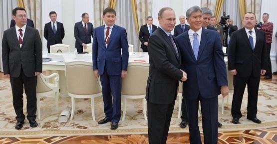 Putin, Kırgızistan'da