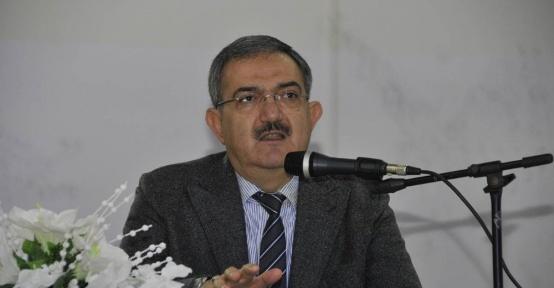 Rektör Şahin, imam hatip öğrencilerine 28 Şubat'ı anlattı