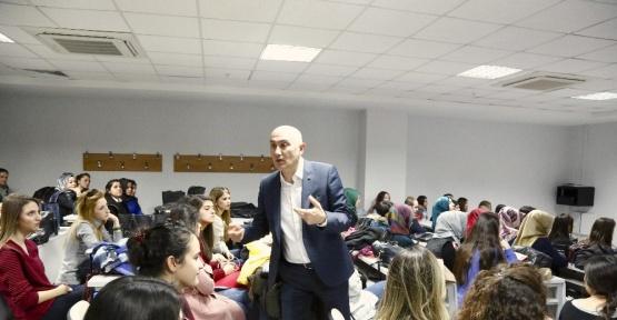 HKÜ Rektörü Prof. Dr.Tamer  Yılmaz, tüm öğrencileriyle birebir iletişim kuruyor