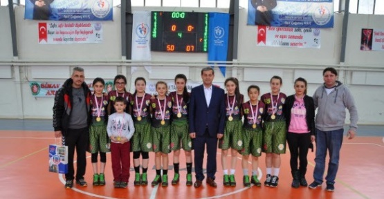 Simav'da yapılan basketbol şöleni sona erdi