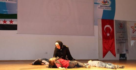 Suriyeli çocuklar bu kez tiyatro oyunu ile duygulandırdı