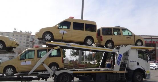 Suriyeli polislerin araçları da ülkelerine gönderildi