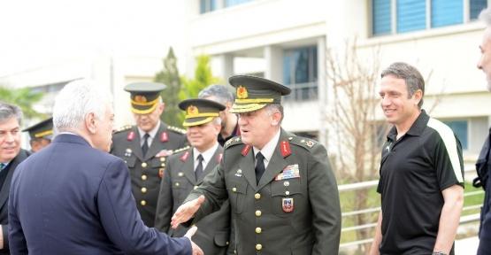 Tuğgeneral Ahmet Hacıoğlu'ndan Bursaspor'a ziyaret