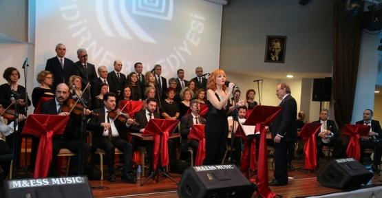 Türk Sanat Müziği Topluluğu'ndan muhteşem final