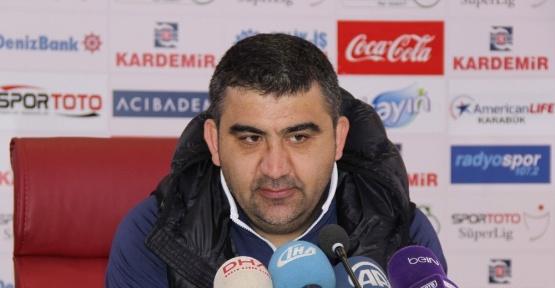 """Ümit Özat, """"Hem Karabükspor'u hem de hakemi tebrik ediyorum"""""""