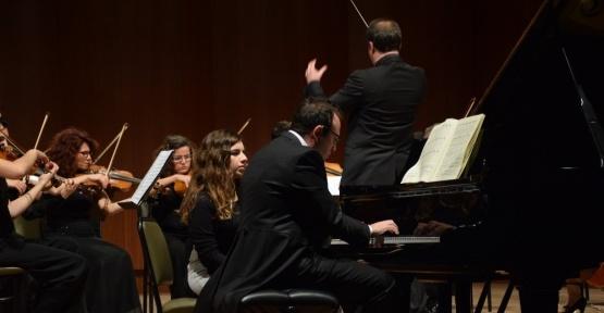 Ünlü Piyanist Şevki Karayel'den piyano şöleni