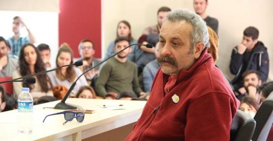 Ünlü Yazar ve Yönetmen Onur Ünlü, Anadolu Üniversitesi'nde söyleşiye katıldı