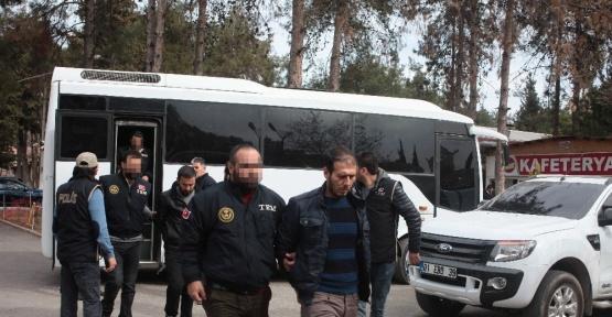Valiliğe bombalı saldırıya yardım ettiği iddia edilen 9 kişi adliyeye sevk edildi