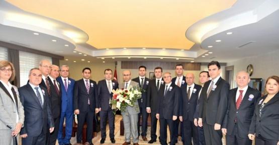 """Vergi Dairesi Başkanı Ahmet Tunalı'dan Vali Demirtaş'a """"Vergi Haftası"""" ziyareti"""