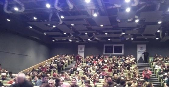 Yalova'daki AÖF öğrencileri vurmalı çalgılar konseriyle eğlendi