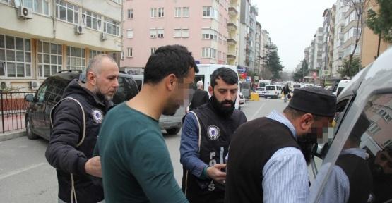 22 bin 740 paket kaçak sigarayla yakalanan kardeşler tutuklandı