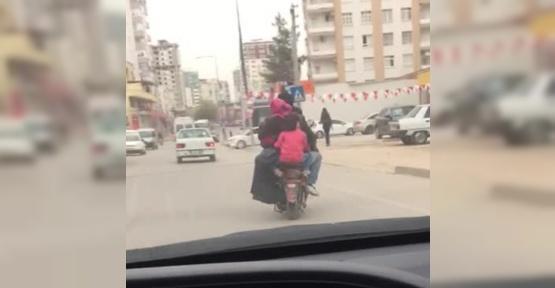 2 kişilik elektrikli bisiklete 6 kişi bindi