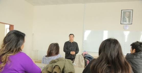 Açıköğretimde yüz yüze dersler devam ediyor