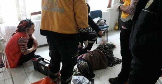 Açlıktan bitkin düşen yaşlı kadını itfaiye kurtardı